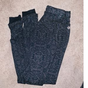 CALIA by Carrie Underwood ruched leggings